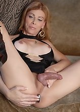 Filthy TMILF playing with her magic toy