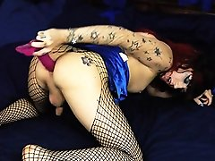 Mistress Kelly dildoing her butt