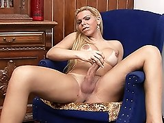 Seductive Lara Gaucha stripping and masturbating